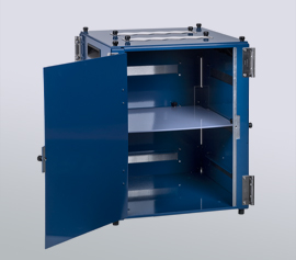 Verstellbare Kunststoffböden zur optimalen Platzierung der Probenposition und Minimierung der Kabellängen.