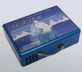 High Performance TE-gekühlter CCD-Array, 2048 Pixel, Pixelgröße 14 µm x 200 µm; Gitter 716 g/mm, blazed b. 222 nm; Schlitzbreite 10 µm, Wellenlängenbereich 200 nm bis 800 nm, Auflösung 0.9 nm