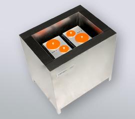 Isothermes Zwei-Kanal Kalorimeter Calmetrix I-Cal 2000 HPC mit geöffnetem Deckel zum Handling der Proben und Referenzen width=