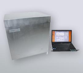 Isothermes 4-Kanal Kalorimeter Calmetrix I-Cal 4000 HPC mit angeschlossenem Notebook und laufender Datenaufzeichnung über die CalCommander-Software