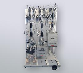 Beispielkonfiguration - 3 Druckreaktoren im Parallelbetrieb, davon 1 Reaktor mit automatischer Probenahme